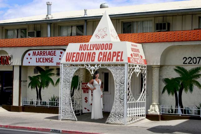 Hollywood Wedding chapel on the Las Vegas Strip